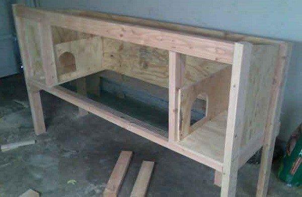 Начало строительства домика для кроликов